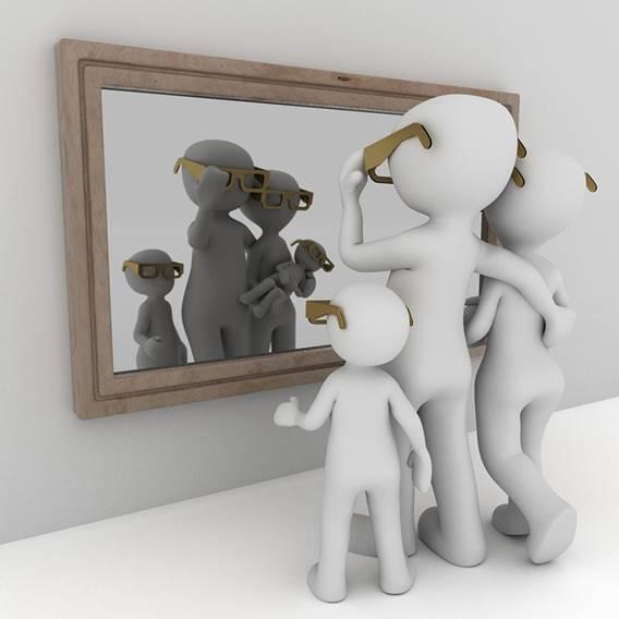 Kijk eens in je eigen spiegel